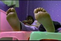【足裏ふぇち】夏目ゆい(23)足のサイズ22.5cm★お手入れしても臭っちゃう★足裏を見せる女★③