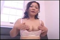 美熟女の激しいオナニー 2